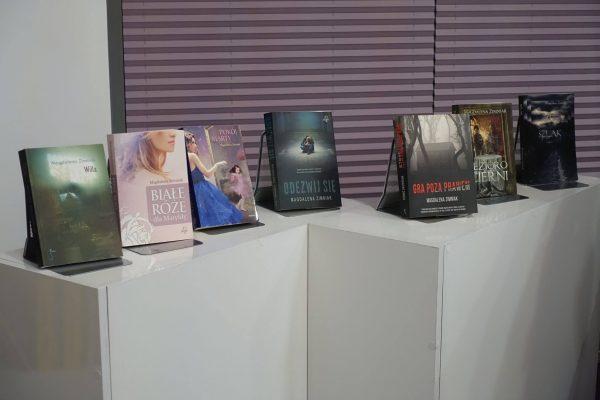 foto. Biblioteka Na Poziomie
